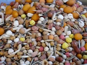 Nuesse enthalten viele Mineralstoffe und Spurenelemente